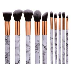 ✨🎉💄MARBLE BRUSHES 10PC AND A RED LIPSTICK